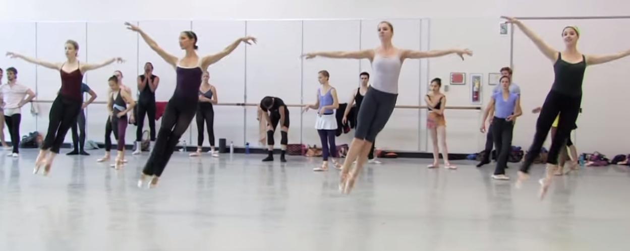 Ballerinas Jumping